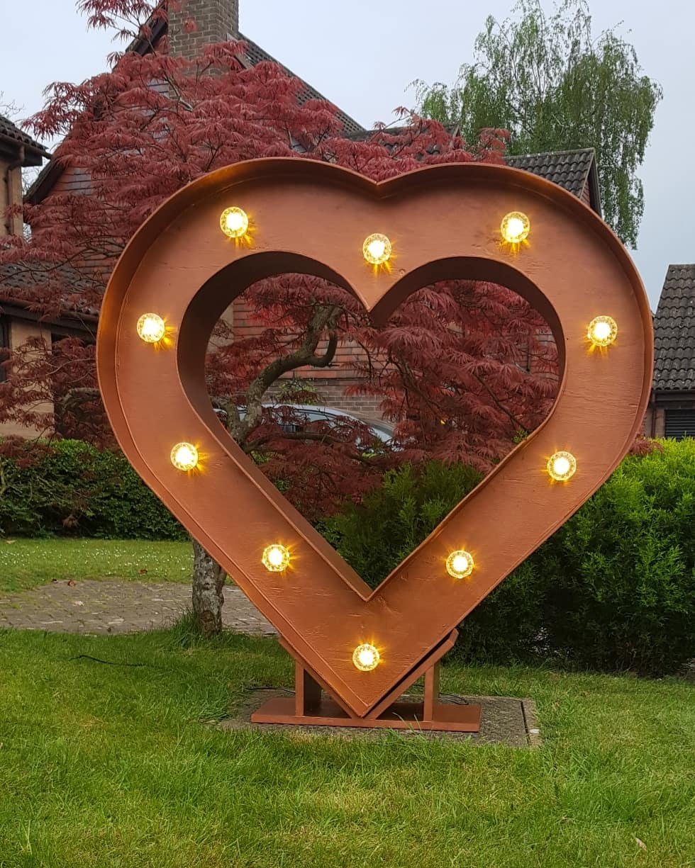 4ft Copper heart - Our unique copper light up heart is a real statement piece and is on trend for this years wedding season. This can be hired alone or can be used with our White initials.