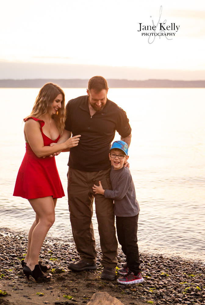 Snohomish summer with a loving family moment on shoreline of beach