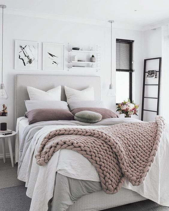 03-blush-chunky-knit-blanket-is-what-you-need-this-winter.jpg