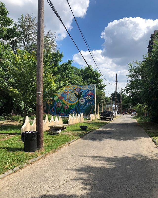 Inspiration from North Philly on this summer day 🌞 streets cultivate gardens, sculptures, and paintings —best details: car tires appropriated as planters, see if you can spot them!! 🌱🌿☘️🌻