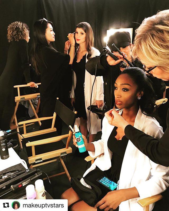 ❤️❤️❤️ #Repost @makeuptvstars with @get_repost ・・・ When you work with the most #artistic #amazing #fabulous #talented people #behindthechair @hollywoodgamenight - - - - #bts #celebritymakeupartist #celebrityhairstylist @makeuptvstars @tuyenttran @romainemarkus @chrisescobosa @gittemakeup @annettechaisson #michelledaurio #haskhair @tawwolf #beauty #pictureoftheday #pictureperfect #instagood #instabeauty #makeup #makeuptalk #hairstylist #hair #hairart #hairdo #glamour #glam #teamwendi #teamwork #lights #camera #action