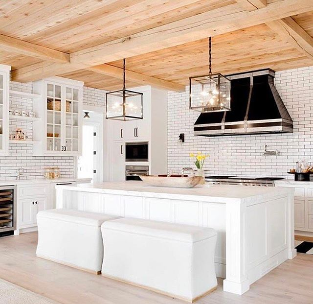 Bringing in a modular touch, to this contemporary great room | regram @beckiowens . . #chandelier #lighting #lamp #homedecor #design #architecture #homedesign #housetour #homerenovation #interiordesign #interior123 #whitedecor #interior #interiorstyle #interiordecorating #interiordesire #architecturelovers #architecturephotography #kitchen #kitchendesign #kitchenisland #pendant #moderndesign #modernkitchen