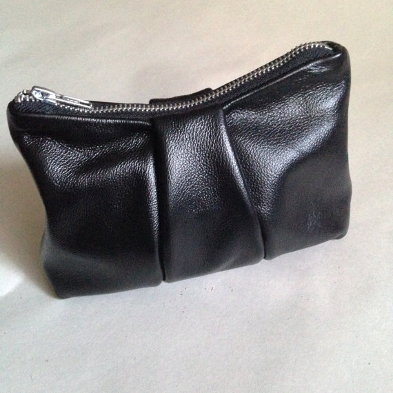 LEATHER COIN POUCH, GLOSSY BLACK -
