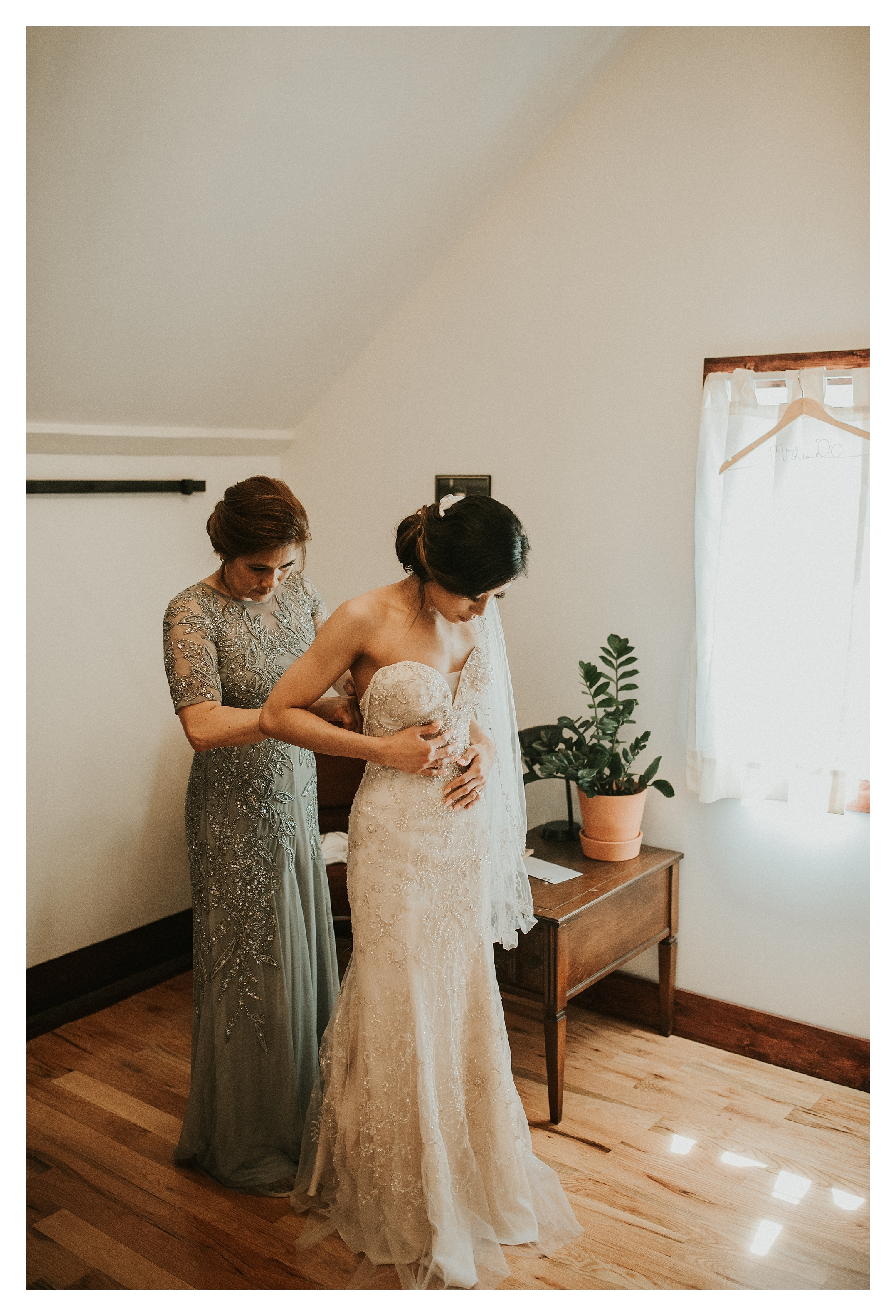 DETRIOT MICHIGAN WEDDING PHOTOGRAPHER