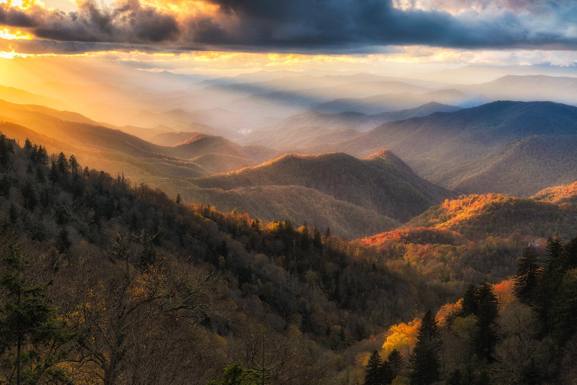 Fall-Wollyback-overlook.jpg