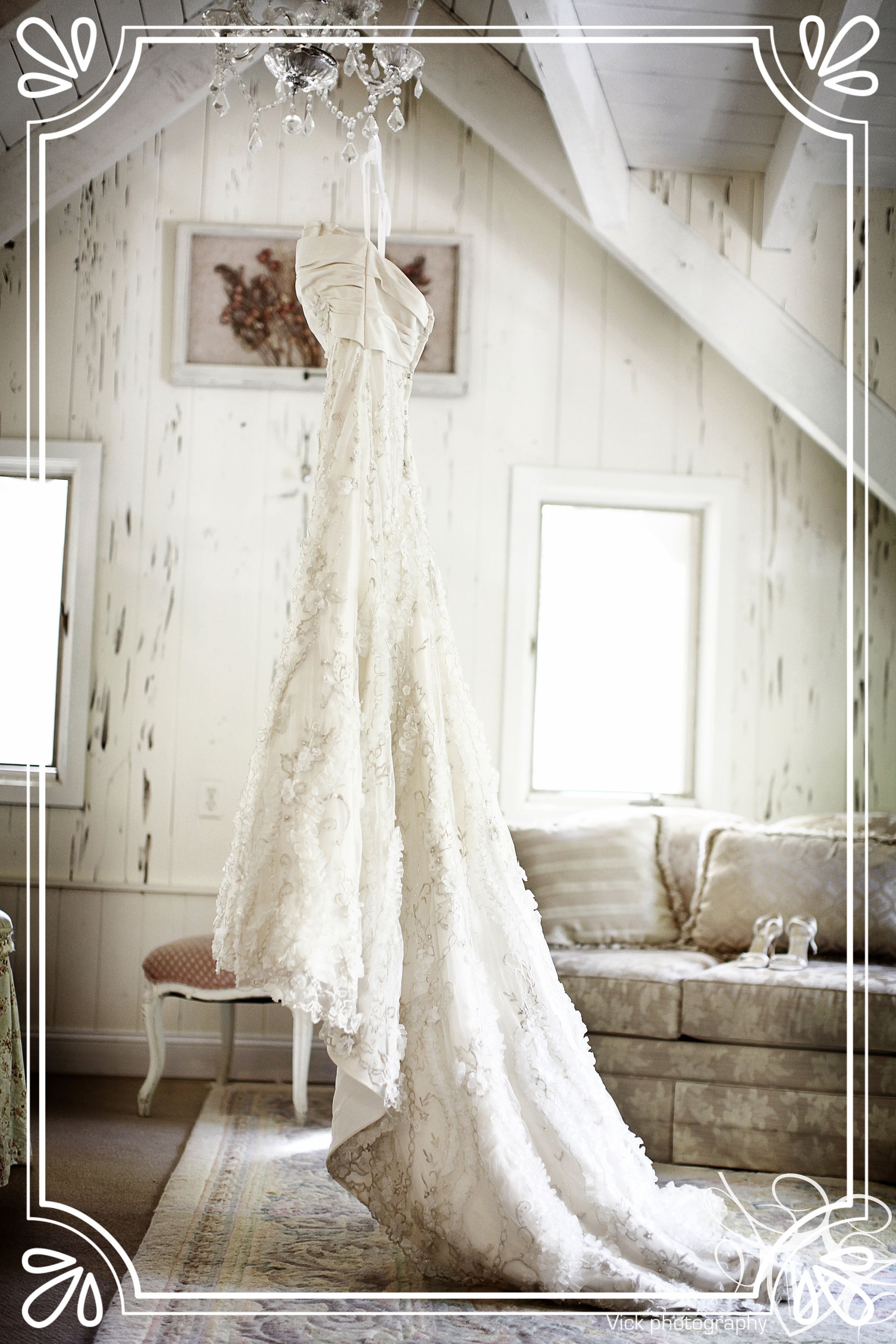 Bridal suite and wedding gown
