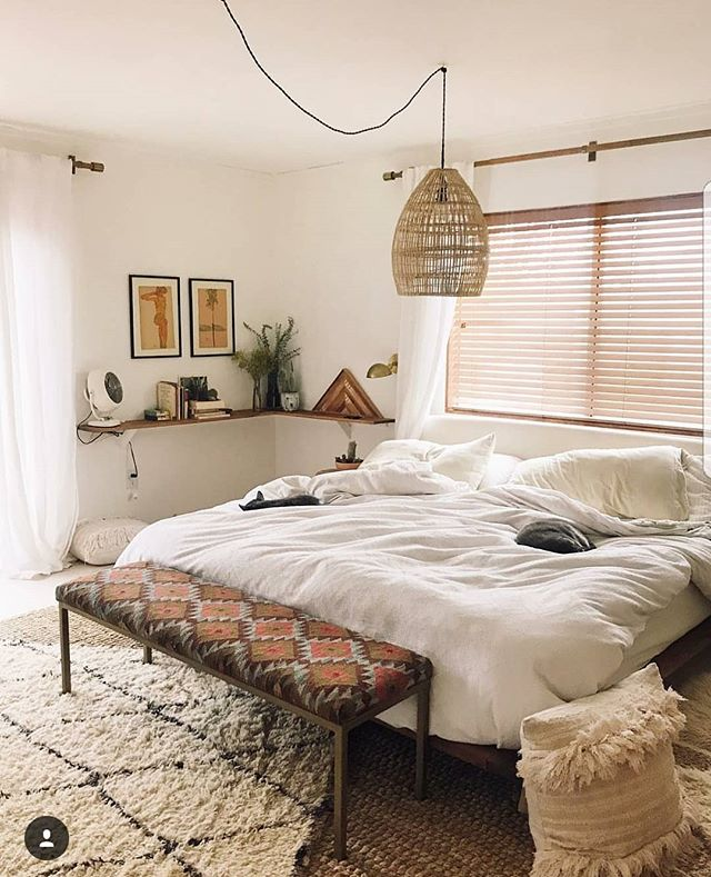 Our Turkish Kilim bench made for the  @thejoshuatreehouse. Look into their rental options when you wanna visit Joshua Tree! • • • • #turkishkilim #ihavethisthingwithtextiles #dsnicerug #kilim #joshuatree #joshuatreehouse #cozy #midcenturymodern #theeverygirlathome #thenewbohemians #bohemianstyle #jungalowstyle #finditstyleit #mydomaine #mycovetedhome #apocketofmyhome #smmakelifebeautiful #vintagestyle  #furnituredesign #furniture #custombench #westelmlocal