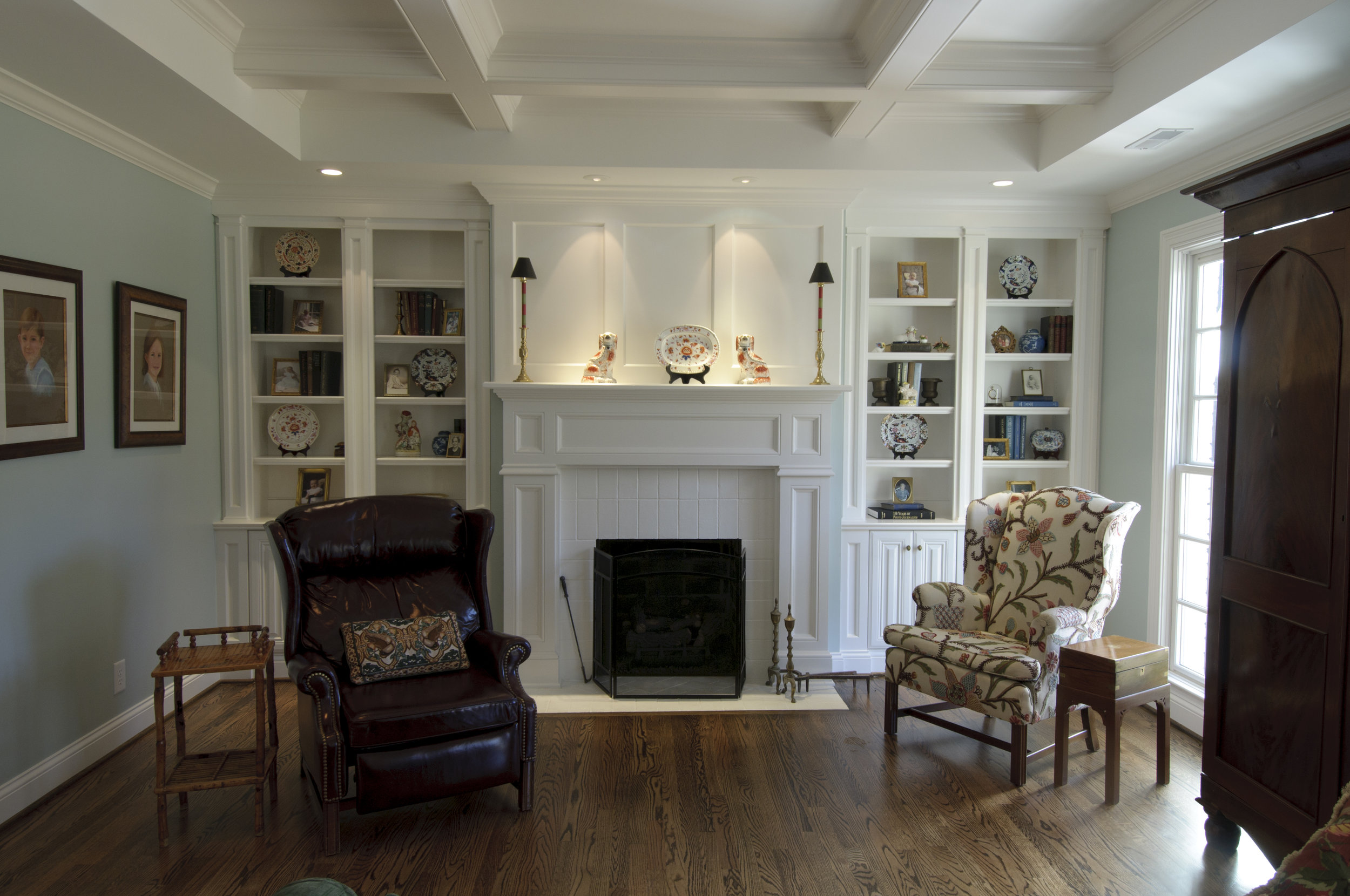 Traditional+Sullivan+Bookcase+and+Mantle.jpg