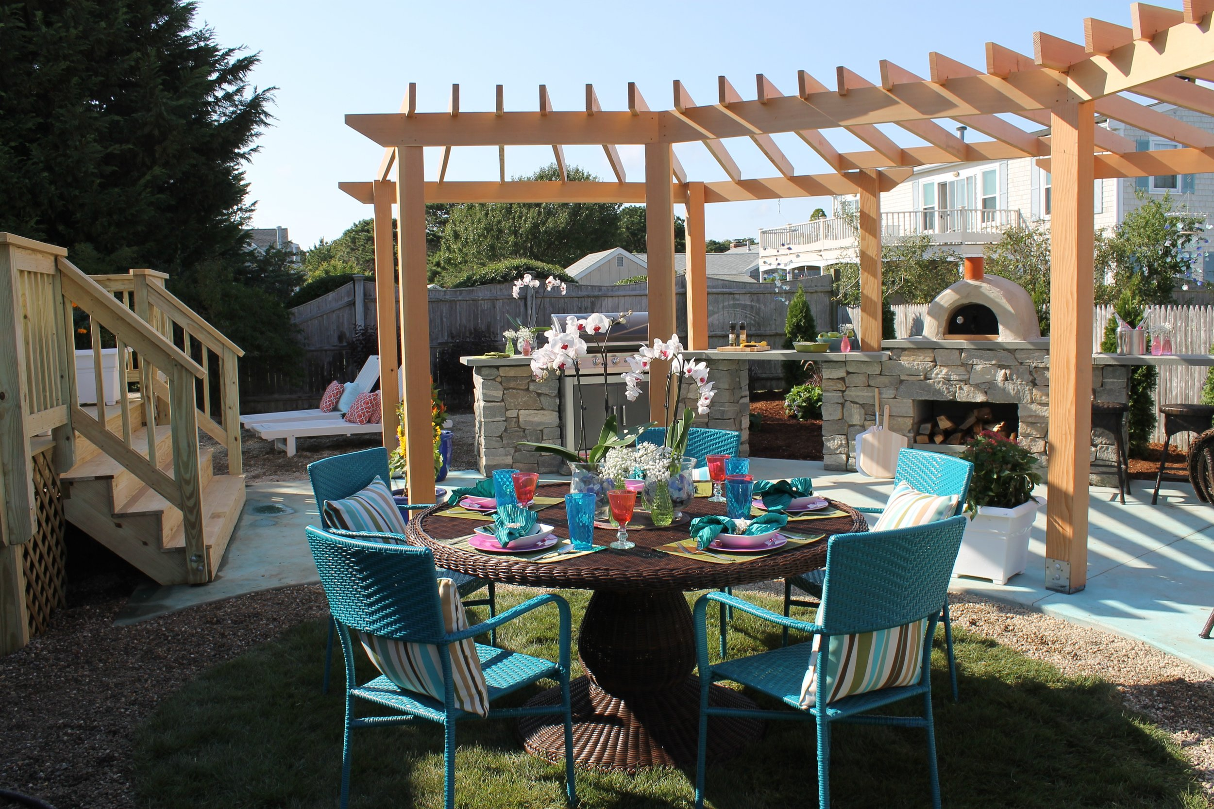 21 The dining area and pergola.jpg