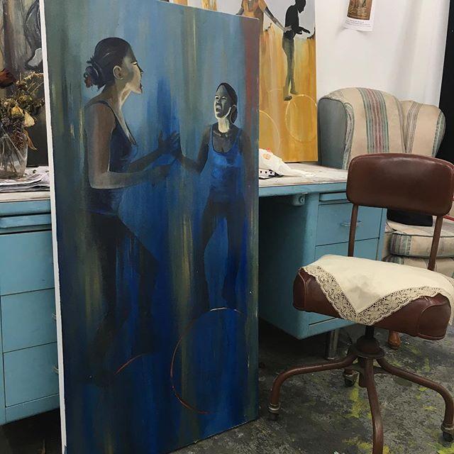 Women carry knives #acrylicandoiloncanvas #lacalleylanochetambiénsonnuestras #art #painting #studio