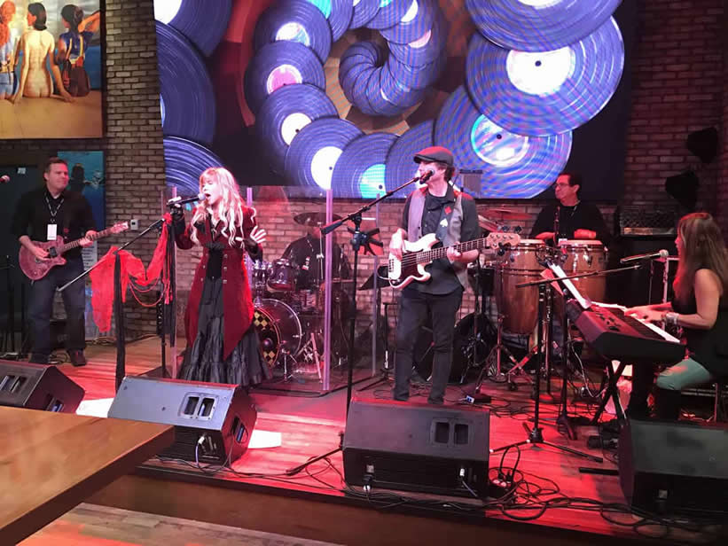 La Voyage Magazine article  Art & Life with GYPSY – A Tribute To Stevie Nicks and Fleetwood Mac