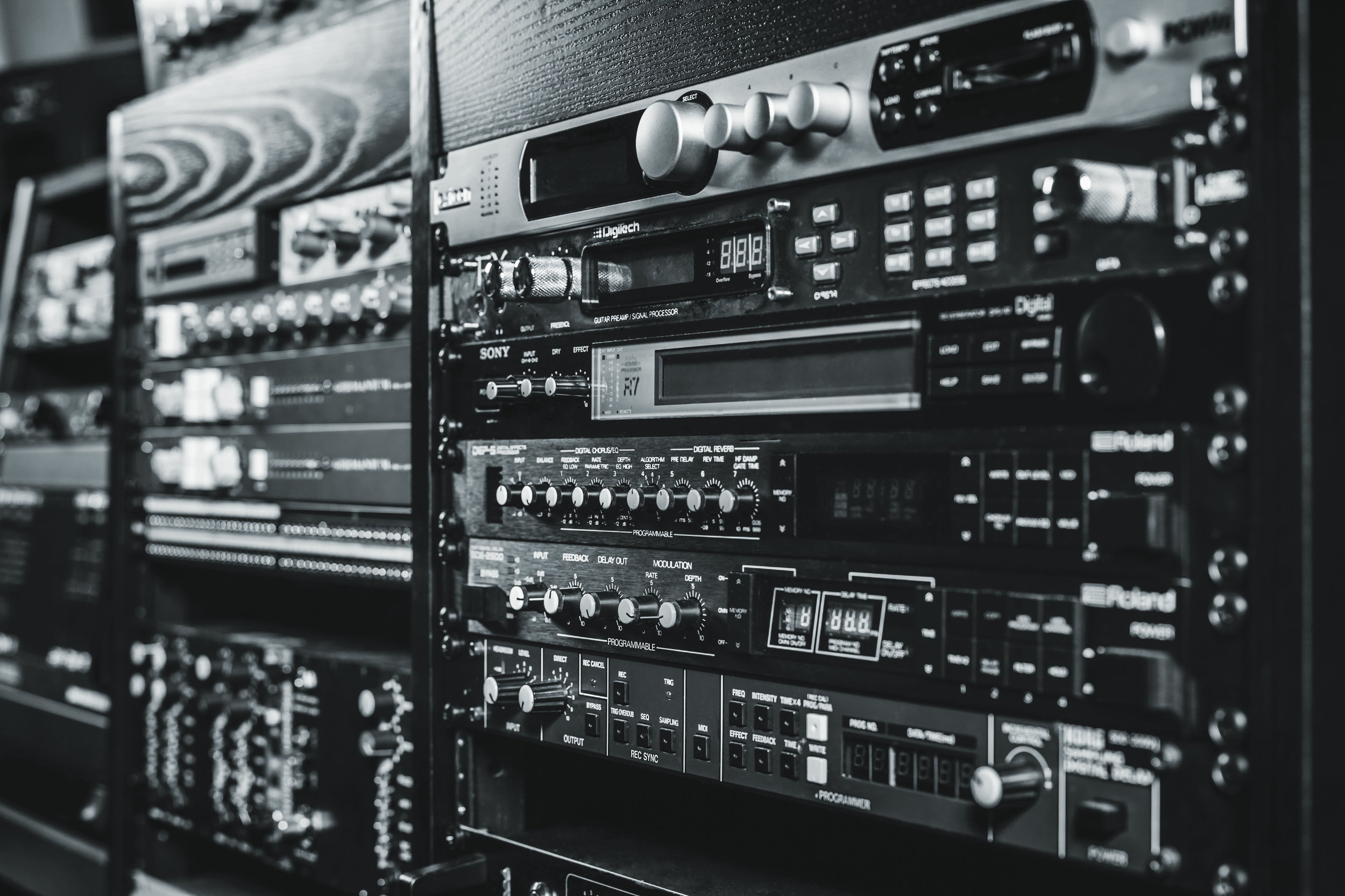 032617_Helio_Sound_studio2881_L_BW.jpg