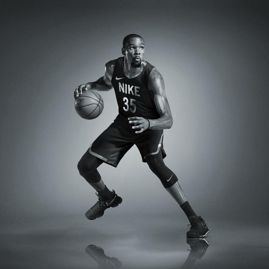 IN-STORE: Nike