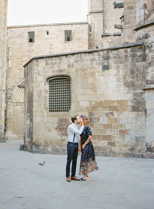 gothic-quarter-barcelona-engagement-wedding-photographers-camilla-cosme-photography_0007.jpg
