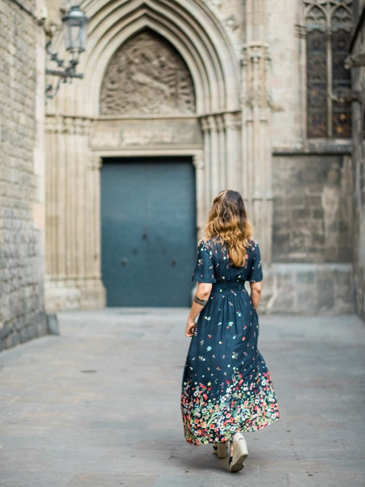 gothic-quarter-barcelona-engagement-wedding-photographers-camilla-cosme-photography_0009.jpg