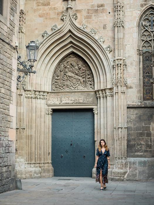 gothic-quarter-barcelona-engagement-wedding-photographers-camilla-cosme-photography_0010.jpg