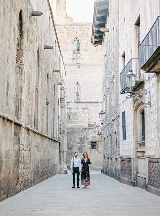 gothic-quarter-barcelona-engagement-wedding-photographers-camilla-cosme-photography_0018.jpg