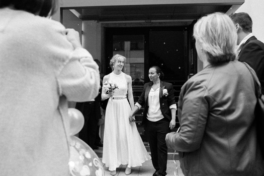 Lesbian civil wedding in Hamburg. LGBT couple Standesamt wedding in Hamburg.
