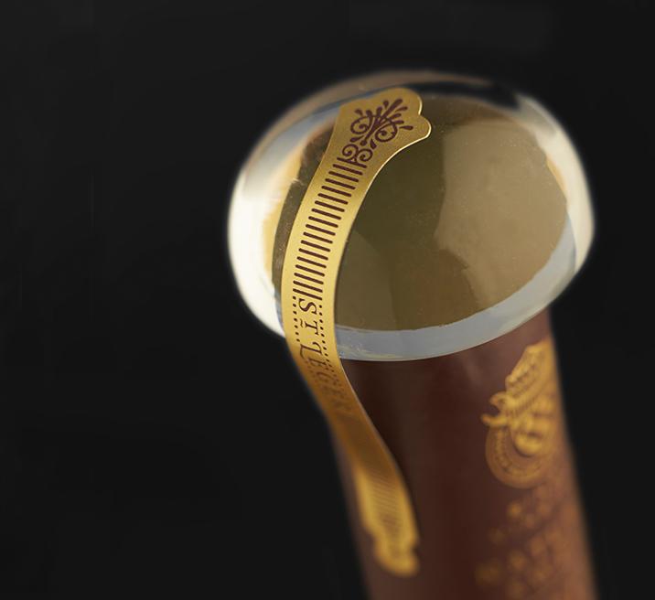 Le Marais wine bottle design