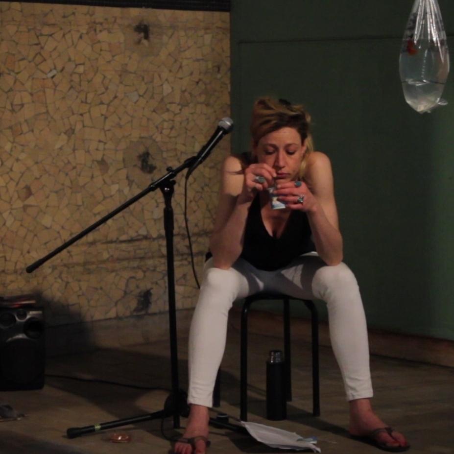 Julie Moulier, Répétitions 2015 - Les Anciennes Cuisines Photogramme : Quentin Guichard