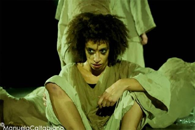 Jade Herbulot, Répétition 2010 - Le Centquatre | Photo : Manuela Caltabiano