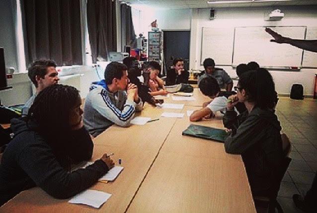 rencontres autour de collège chambres pour les rencontres à Dhaka