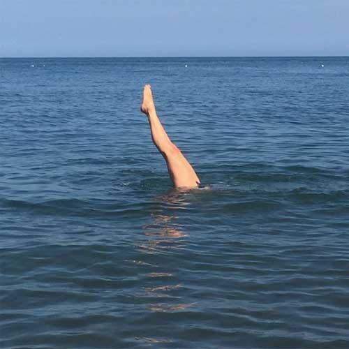 Isabel Losada: Legs