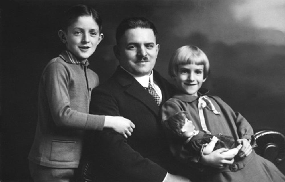 Charles und Elly Krüger mit Sohn und Tochter Eva ca. 1929
