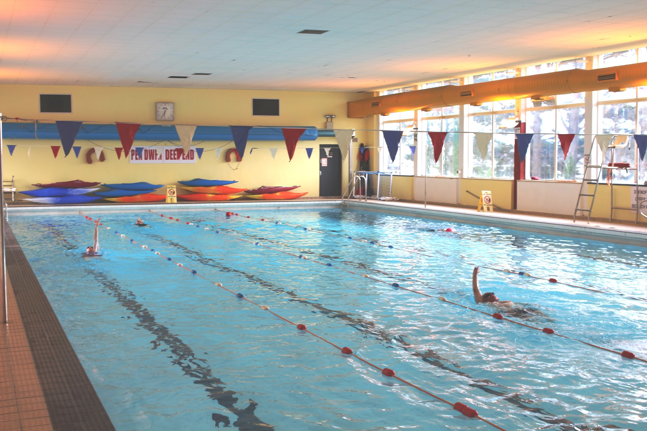 Harlech Swimming Pool