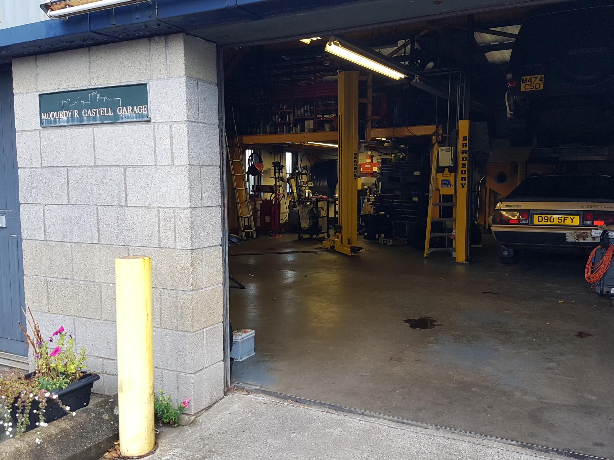 Aled Garage 2.jpg