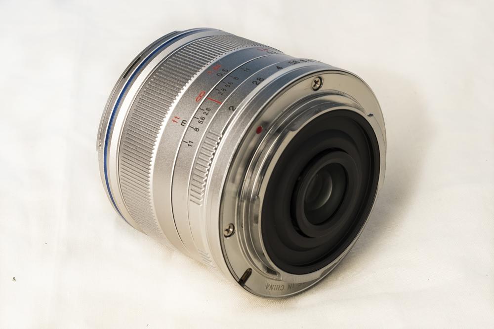 laowa 7_5mm f2 product 5.jpg