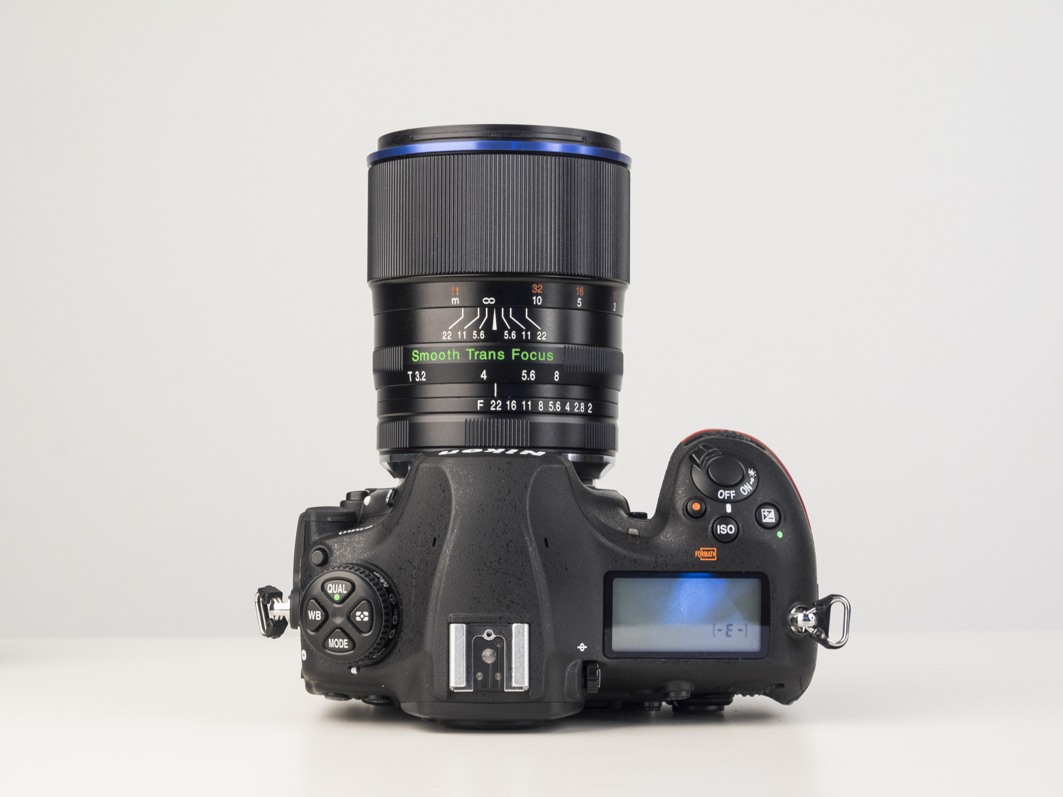 laowa 105mm f2 STF lens product images 01.jpg