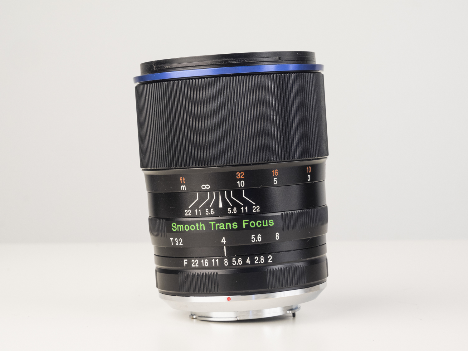 laowa 105mm f2 STF lens product images 03.jpg