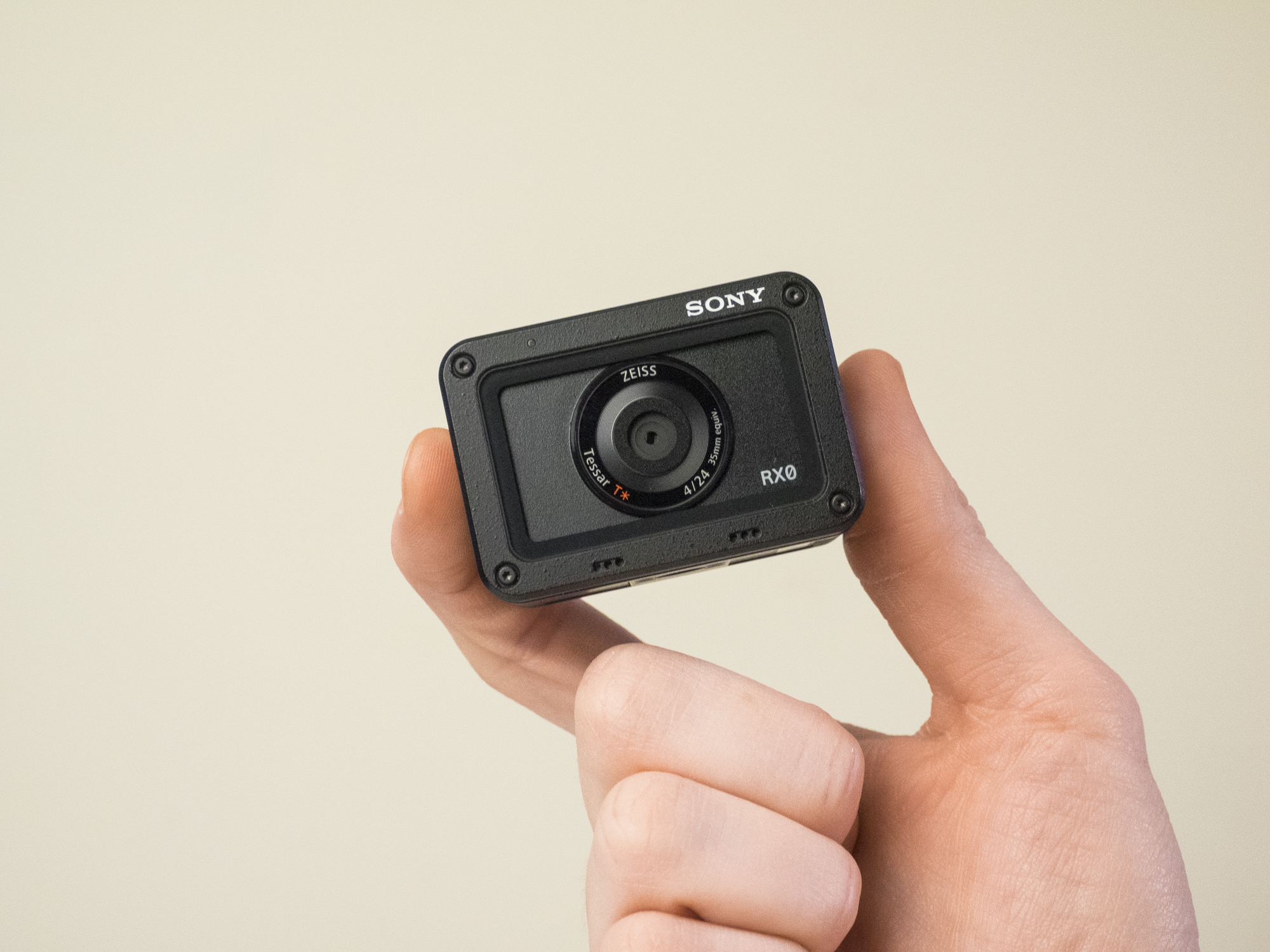 sony rxo product images 22.jpg