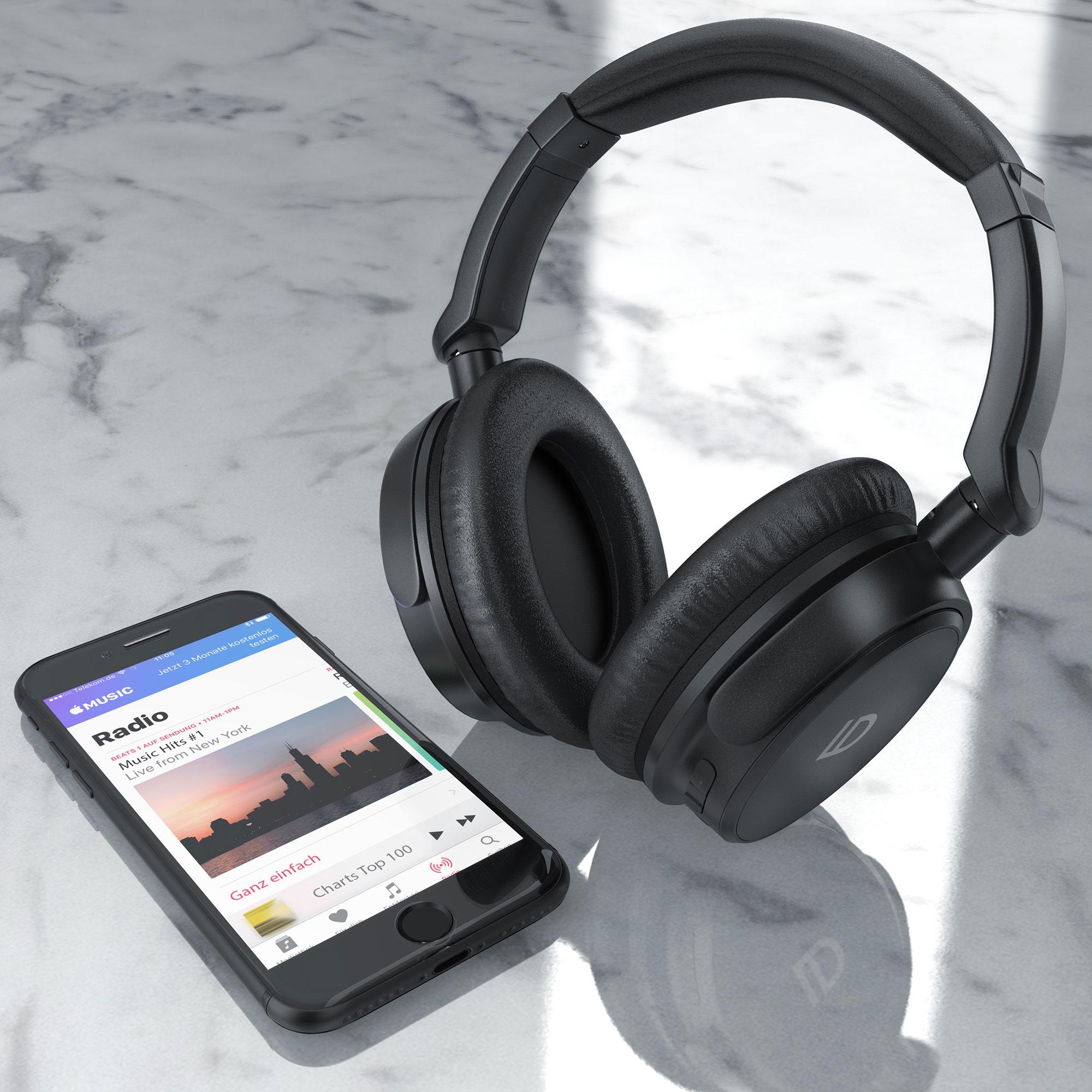 303024--LD-overear-headphones-handy-hell.jpg