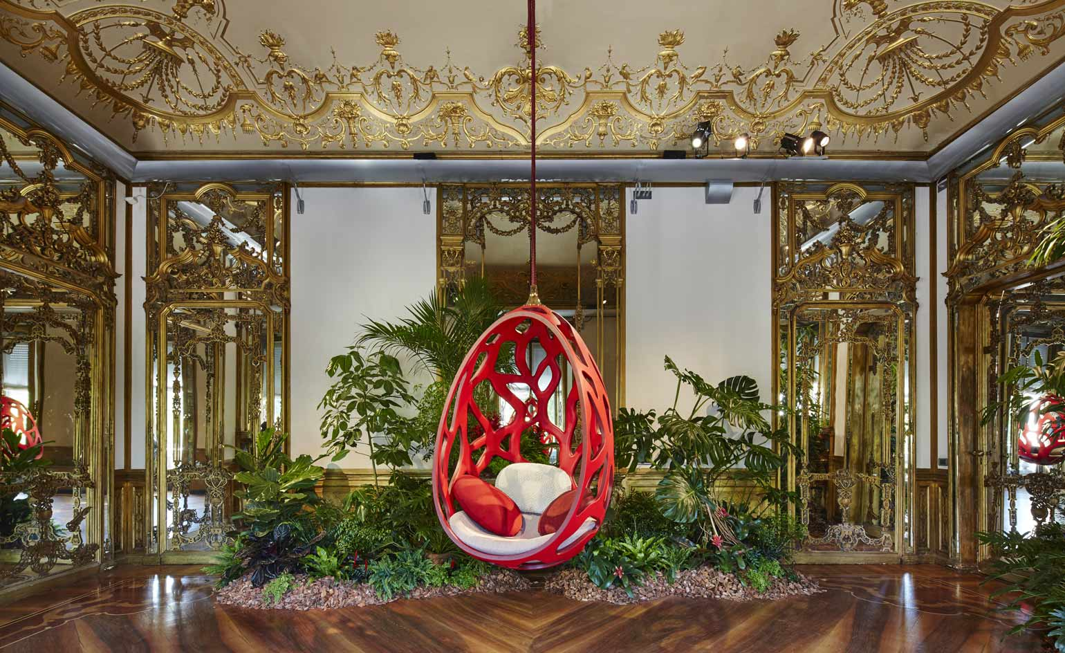 Share-Design-Blog_Louis-Vuittons-Objets-Nomades-Collection-at-Milans-Palazzo-Bocconi.jpg
