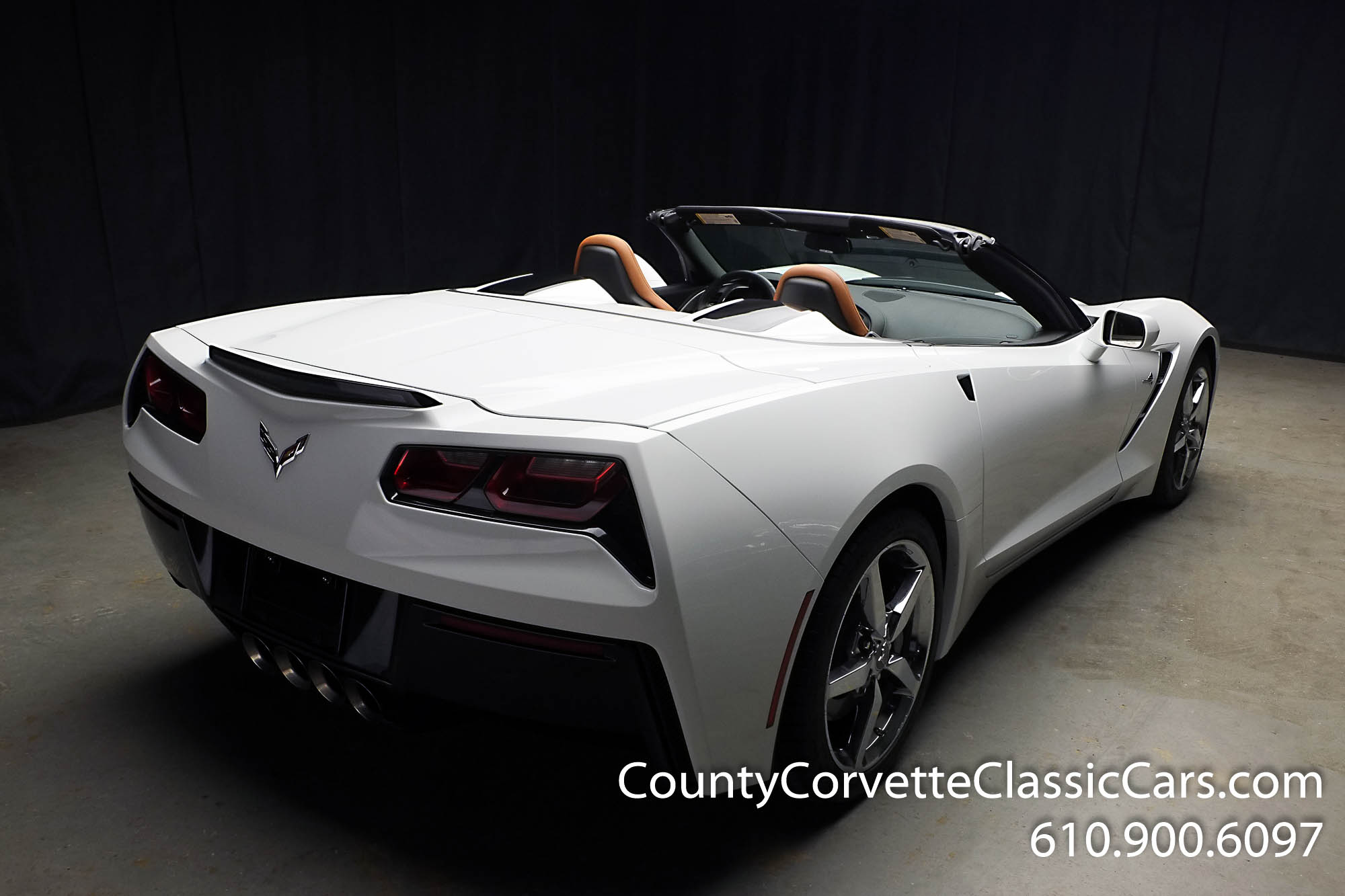 2014-Corvette-Stingray-Convertible-40.jpg