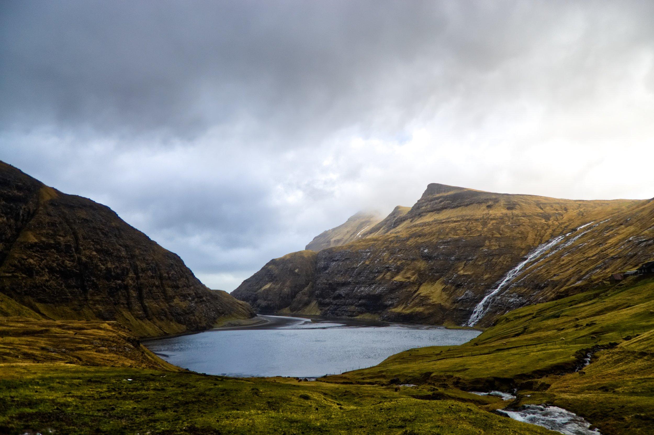 Les petites rivières - forment les grands lacs