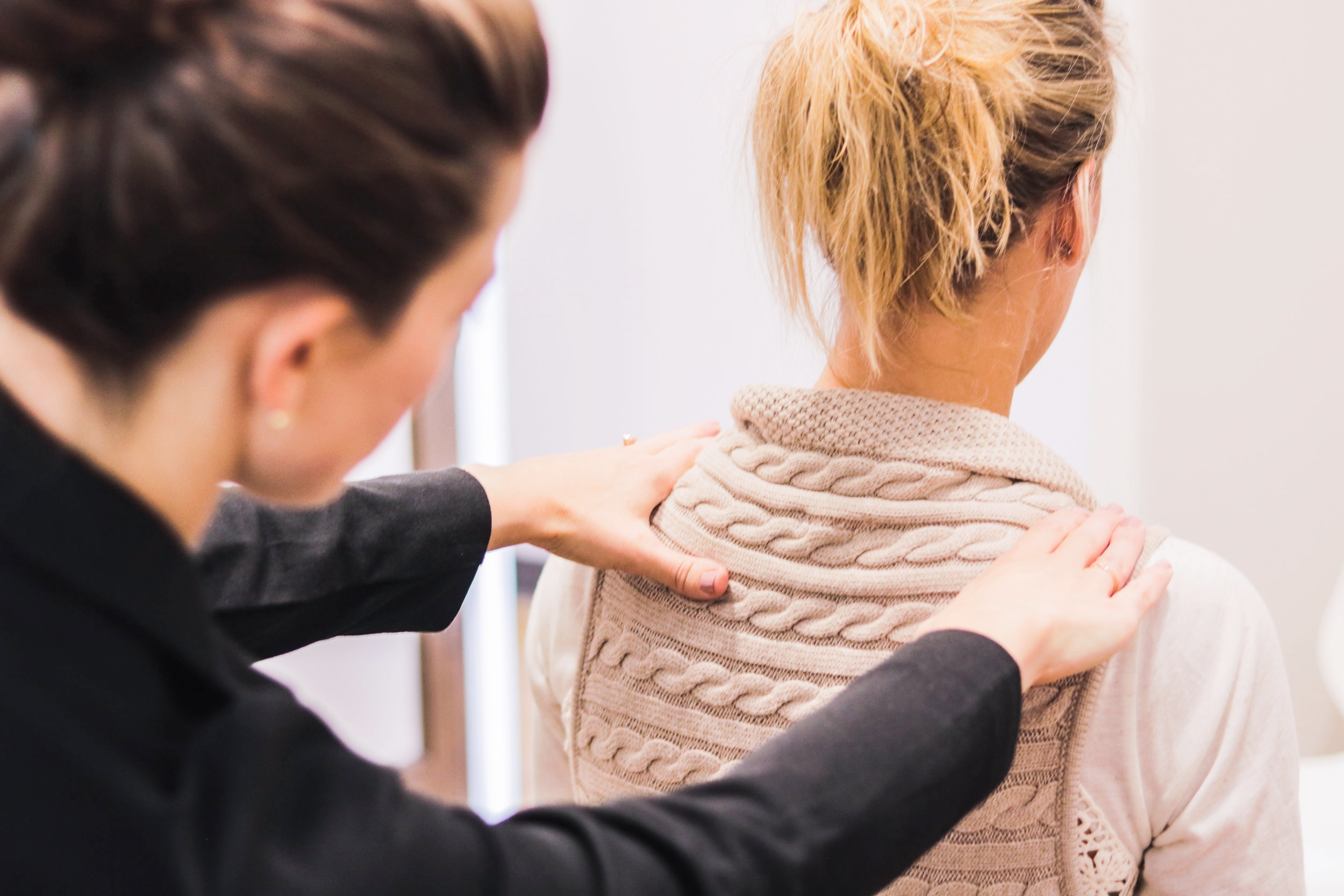 Visualization - Visualization is a way to cross-reference all the other findings. Your chiropractor is an expert in looking for subtle changes in your posture and the movement of each spinal segment.