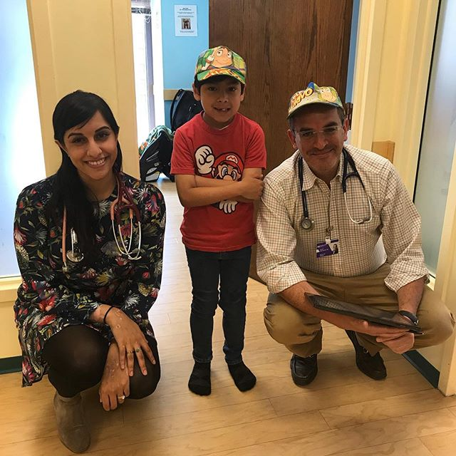 Even though she forgot her hat, Dr. Priya still makes friends!!! 🤷‍♂️ #superdoctor #firstdayofwork
