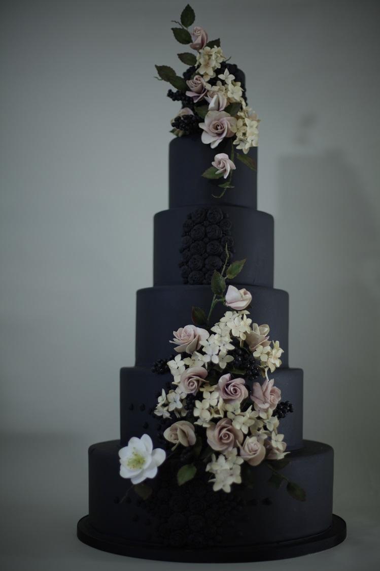 Resized Wedding cake by victoria made.jpg