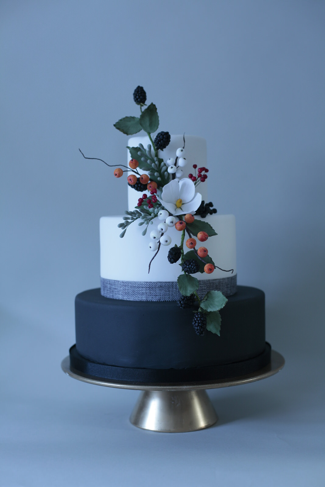 Hedgerow wedding cake