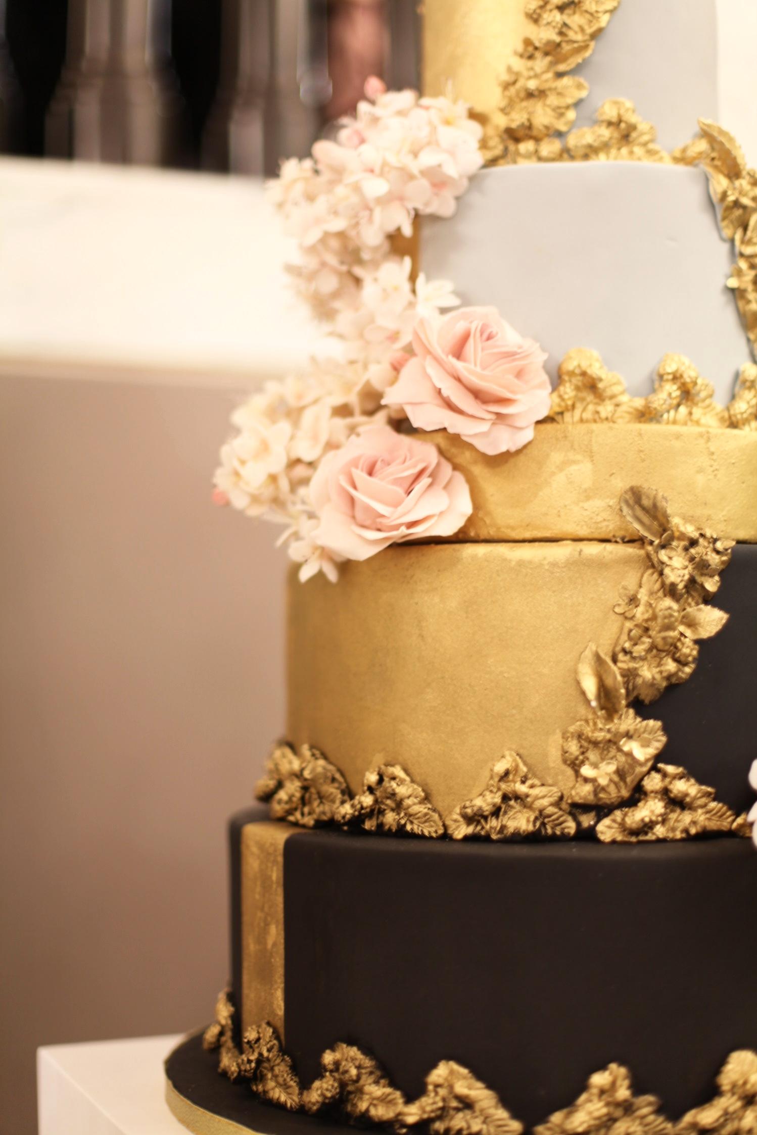 Victoria Made Wedding Cake (17).jpg