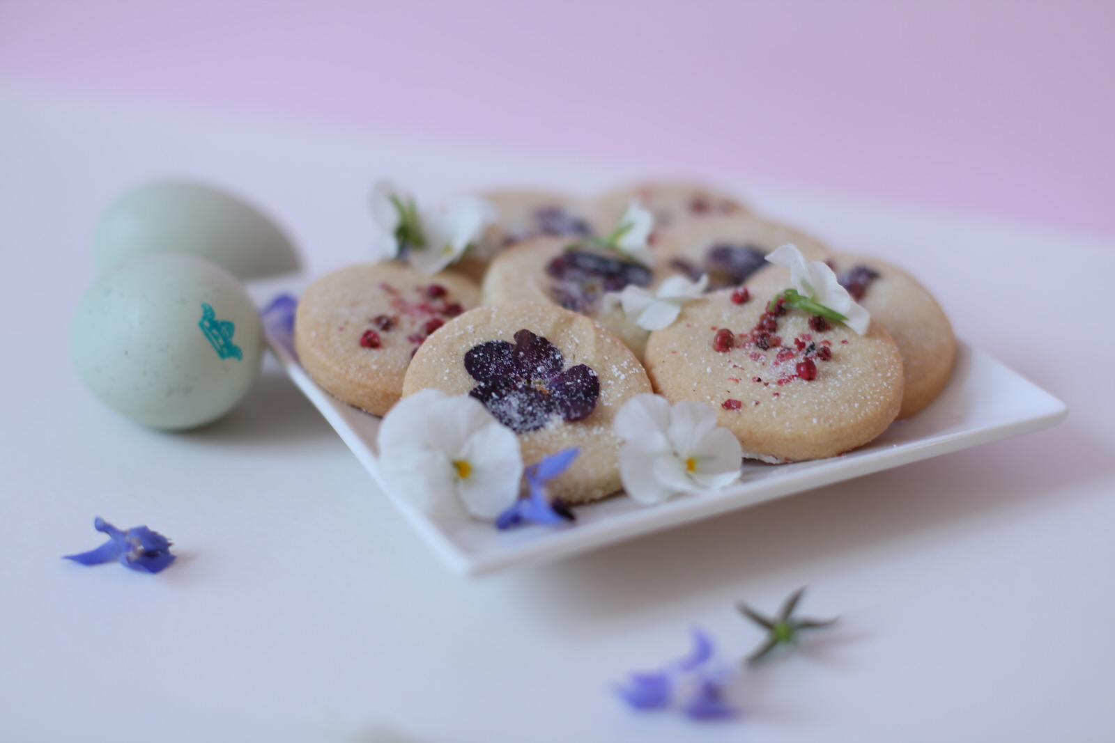 Pink peppercorn butter cookie