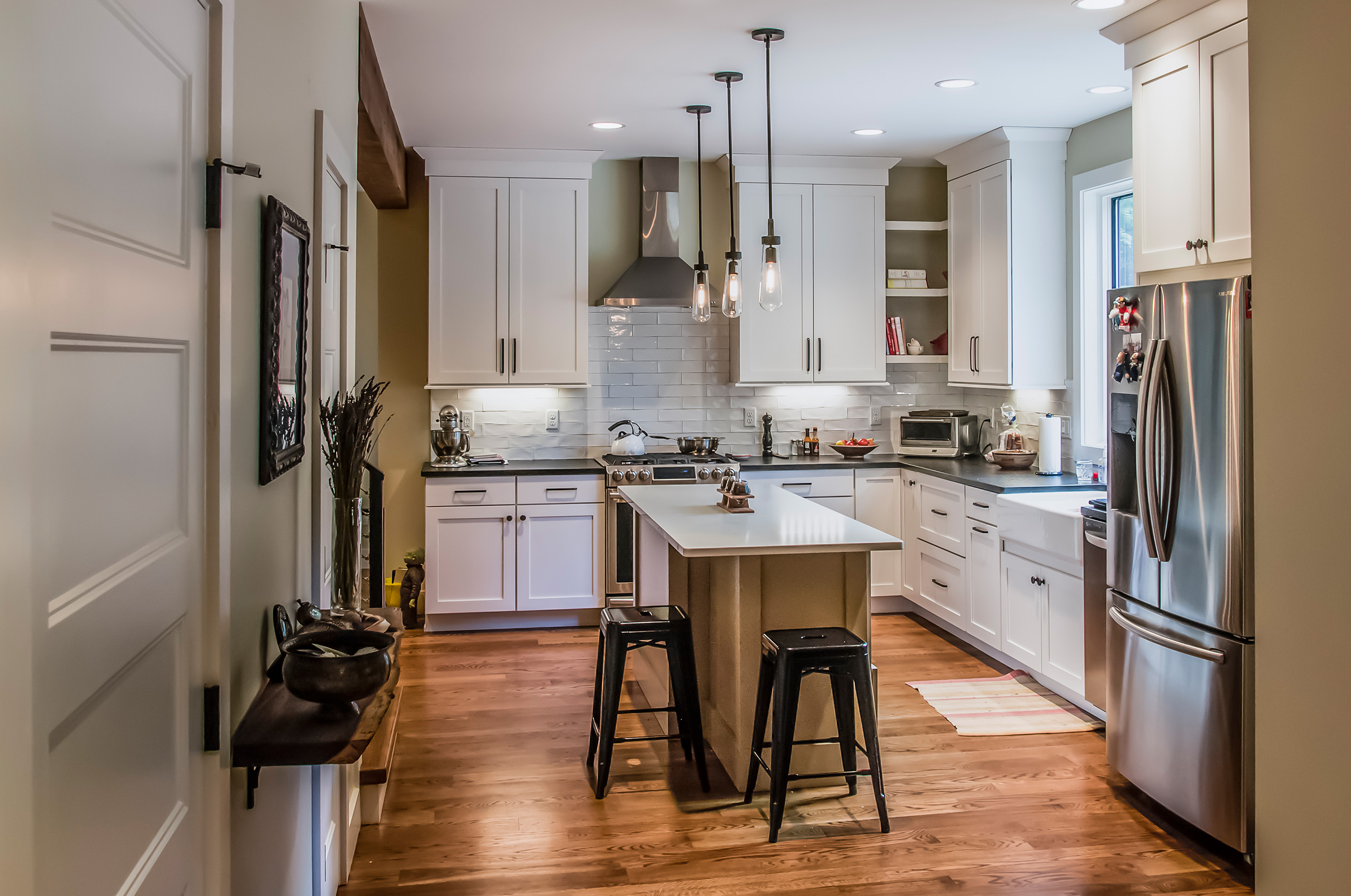 Young-05-kitchen.jpg