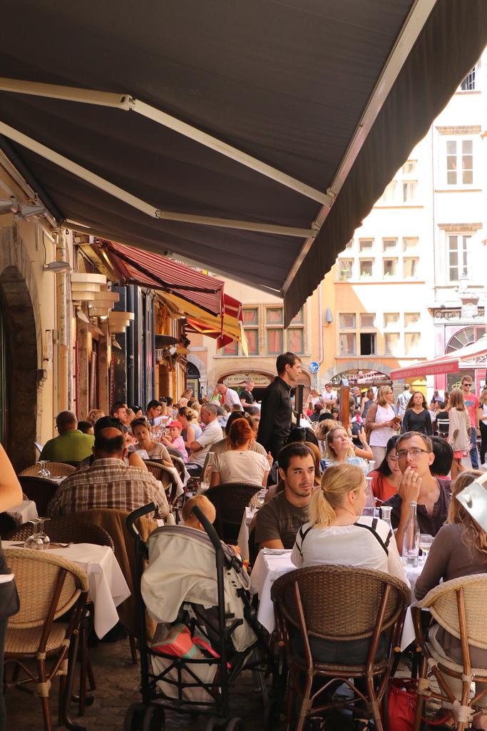 A Warm Afternoon in Vieux Lyon_15086309506_l.jpg