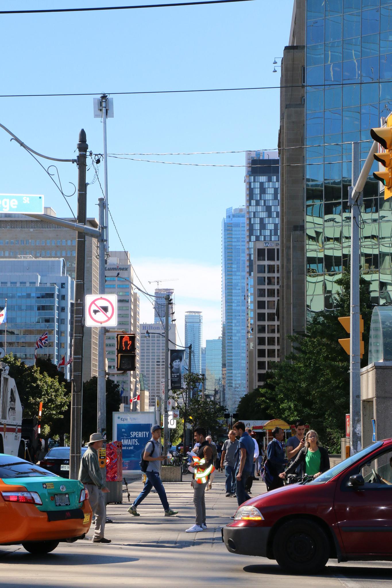 Toronto_23453765829_l.jpg