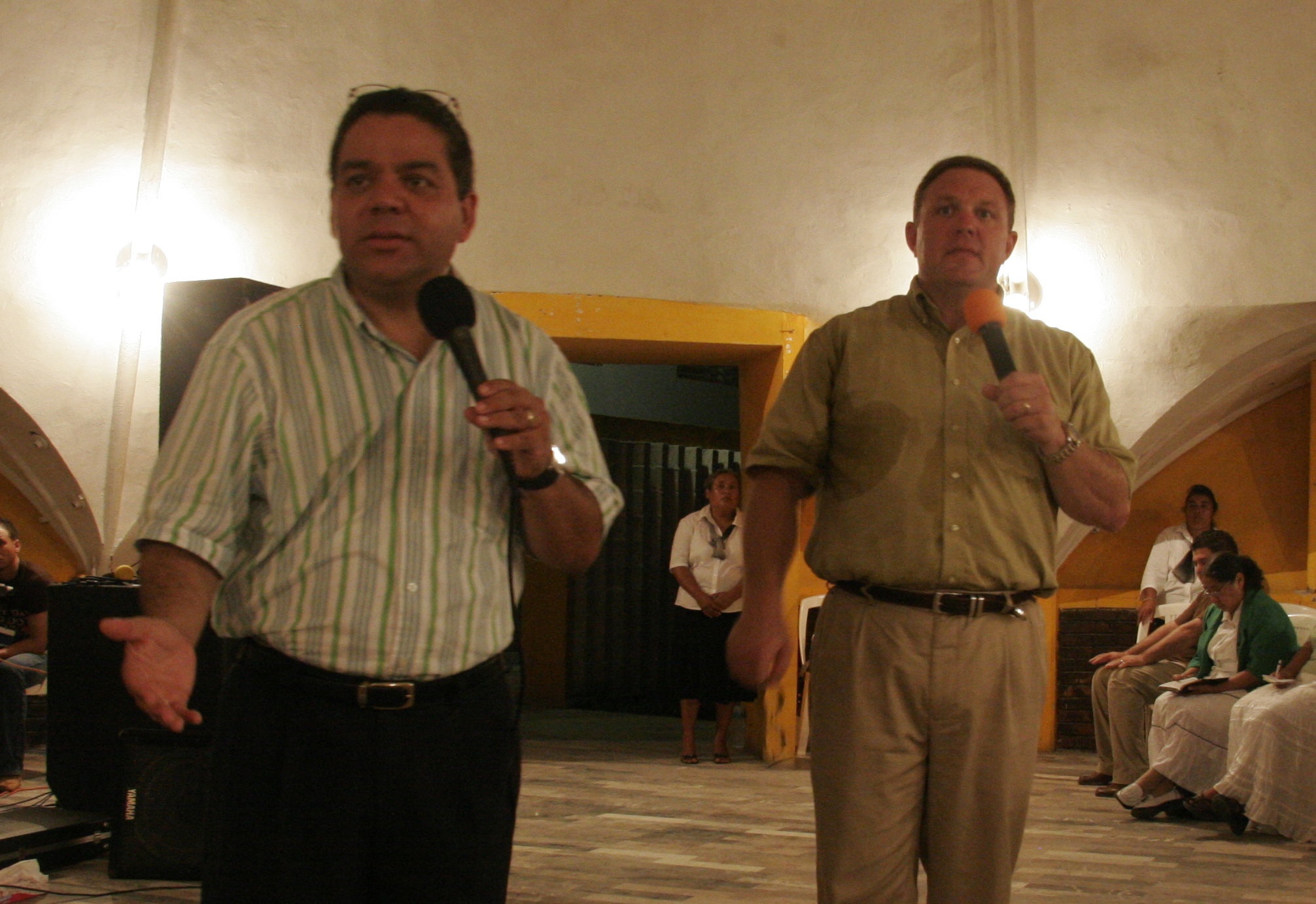 Pastor Jorge & Jim teaching in Mexico