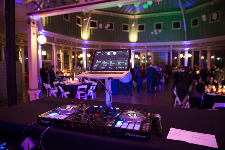 the_wedding_show_dj-56.jpg