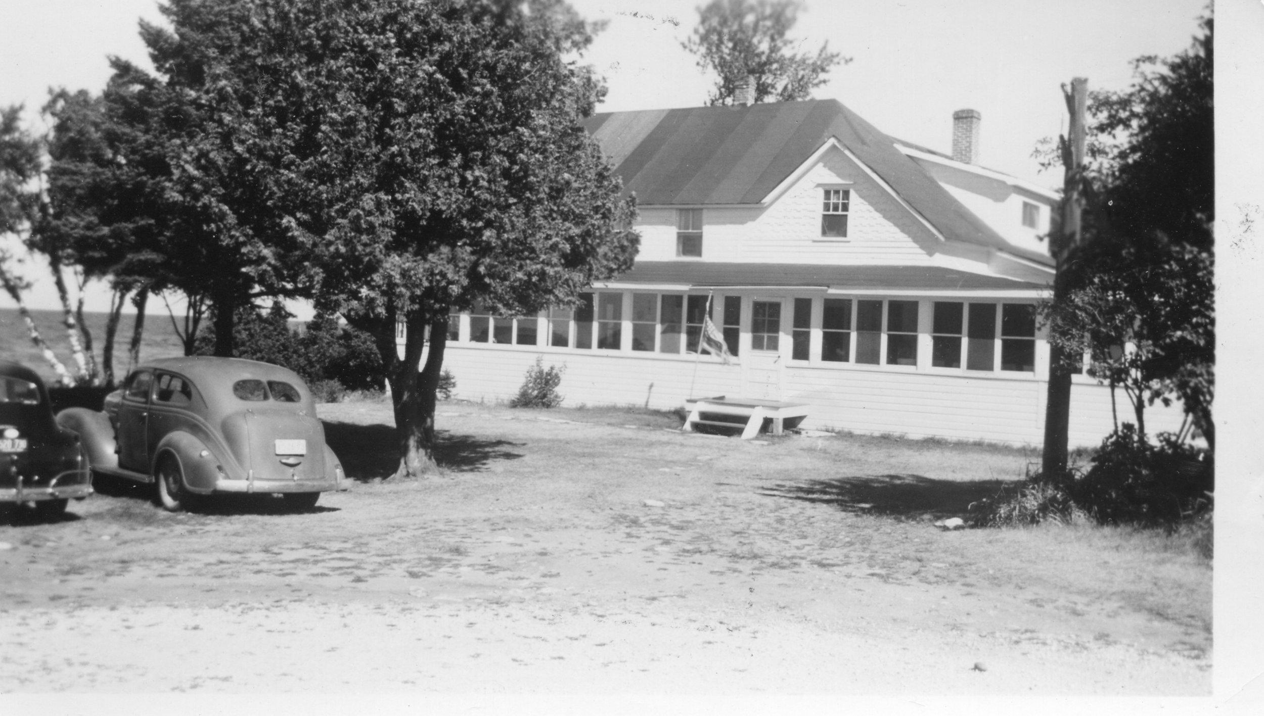 Resort 1940's (3).jpg
